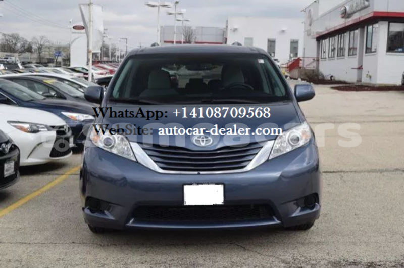 Big with watermark 2015 toyota sienna le 1 copy