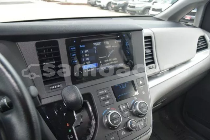 Big with watermark 2015 toyota sienna le 11