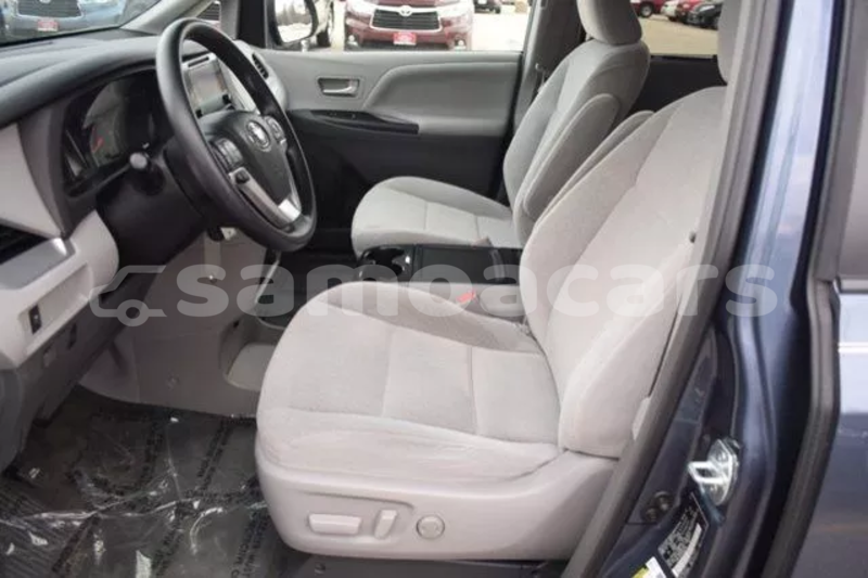 Big with watermark 2015 toyota sienna le 20