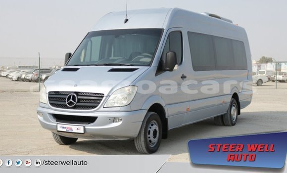 Medium with watermark mercedes benz 190 a'ana import dubai 2445
