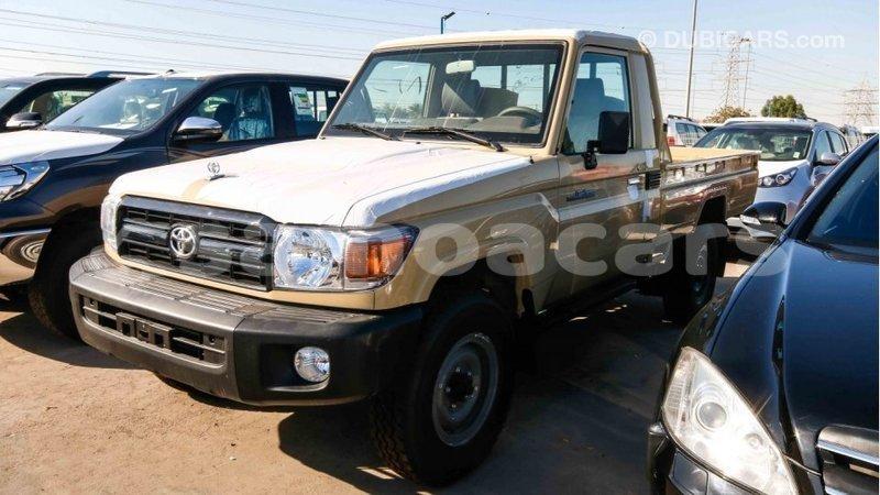 Big with watermark toyota land cruiser a'ana import dubai 2501