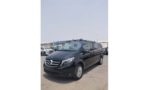 Medium with watermark mercedes benz 250 a'ana import dubai 2752
