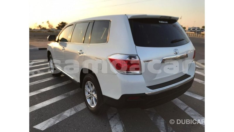 Big with watermark toyota highlander a'ana import dubai 2754