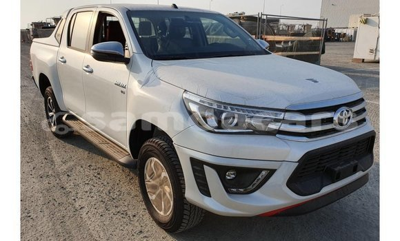 Medium with watermark toyota hilux a'ana import dubai 2858