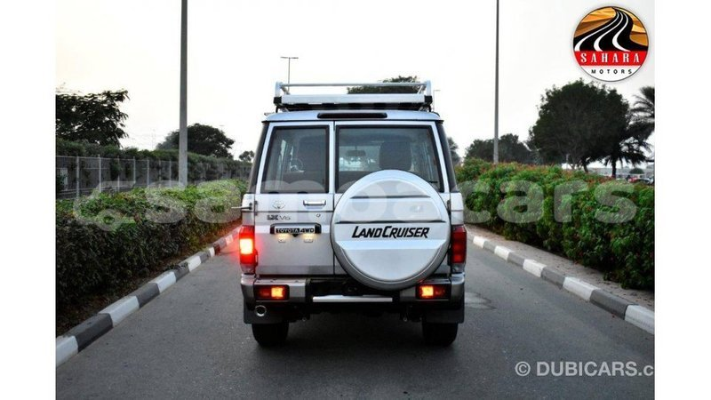 Big with watermark toyota land cruiser a'ana import dubai 2950