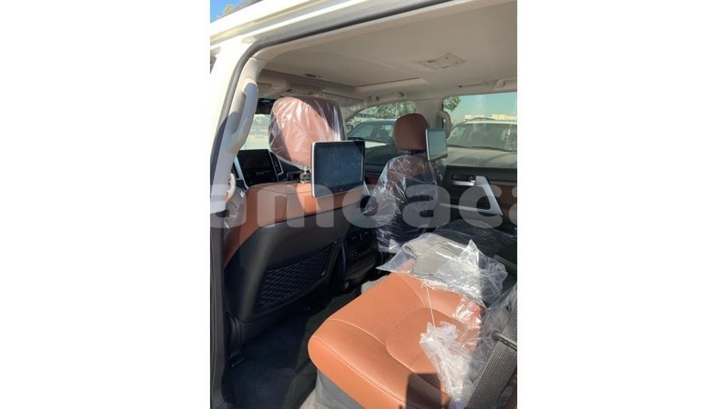 Big with watermark toyota land cruiser a'ana import dubai 3047