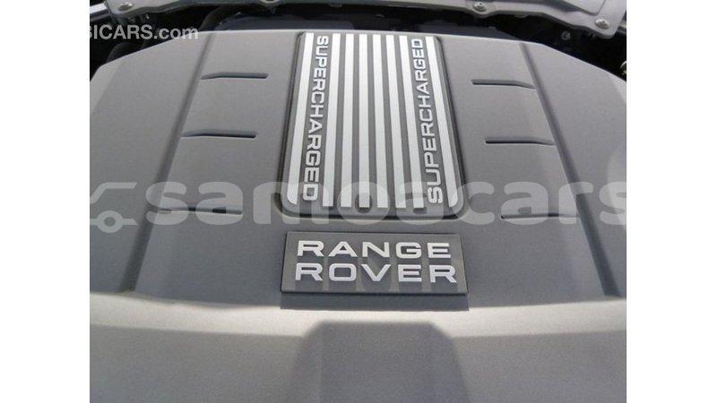 Big with watermark land rover range rover a ana import dubai 3540