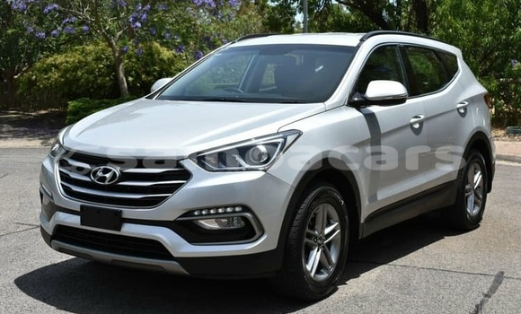 Buy Used Hyundai Santa Fe Silver Car in Vaiola in Fa'asaleleaga