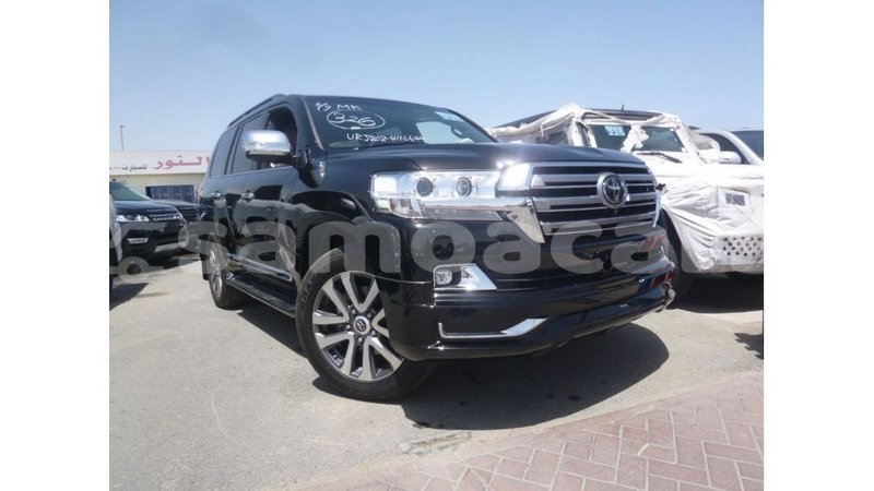 Big with watermark toyota land cruiser a ana import dubai 3857