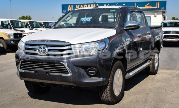 Medium with watermark toyota hilux a ana import dubai 3899