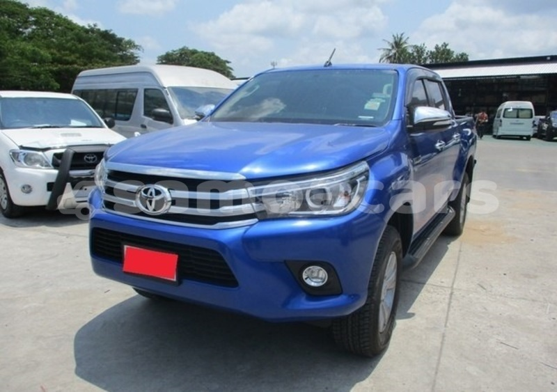 Big with watermark toyota hilux tuamasaga apia 3936