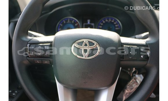 Buy Import Toyota Hilux White Car in Import - Dubai in A'ana