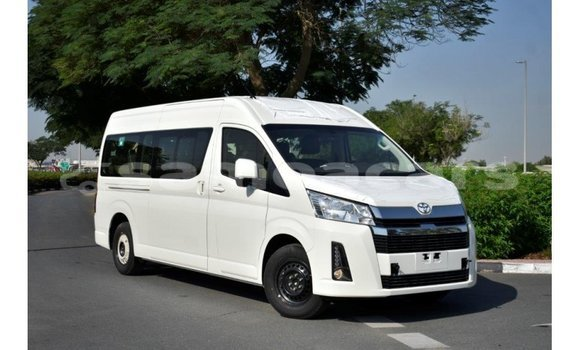 Medium with watermark toyota hiace a ana import dubai 4274