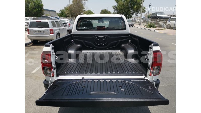 Big with watermark toyota hilux a ana import dubai 4456