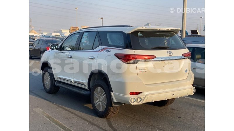 Big with watermark toyota fortuner a ana import dubai 4475