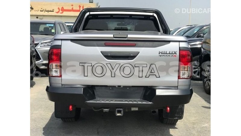 Big with watermark toyota hilux a ana import dubai 4689
