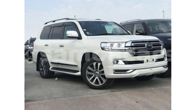 Big with watermark toyota land cruiser a ana import dubai 4693