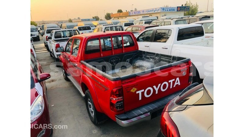 Big with watermark toyota hilux a ana import dubai 4713