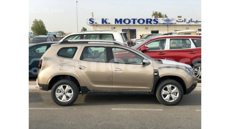 Big with watermark renault duster a ana import dubai 4756
