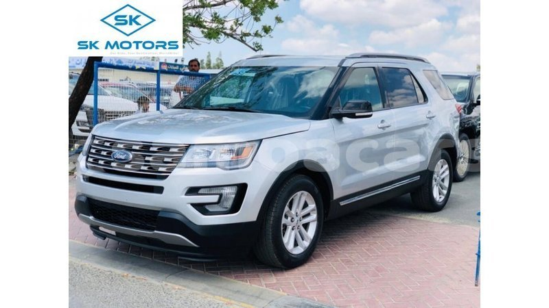 Big with watermark ford explorer a ana import dubai 5029