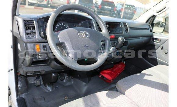 Buy Import Toyota Hiace White Car in Import - Dubai in A'ana