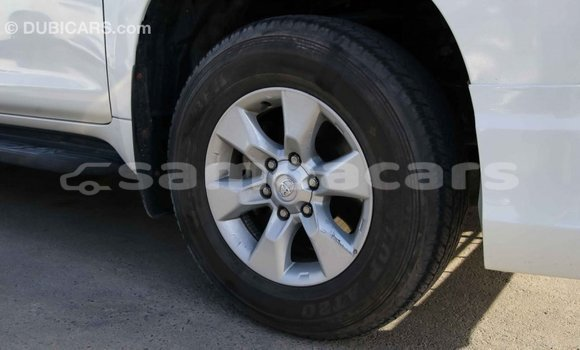 Buy Import Toyota Prado White Car in Import - Dubai in A'ana
